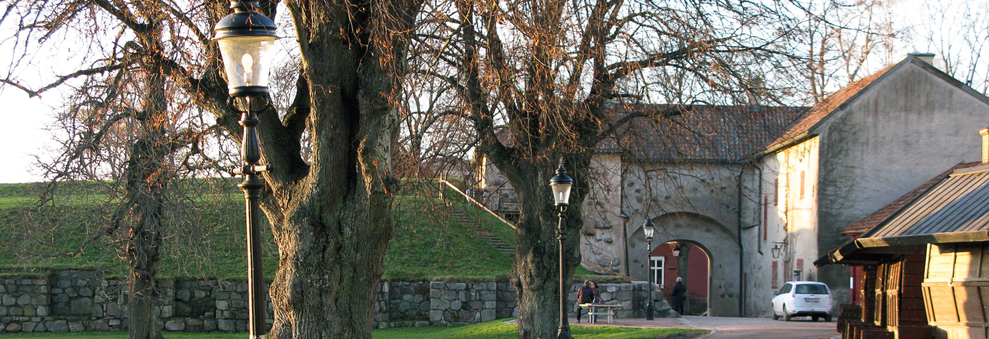 Kungslyktan samt stolpe i gjutjärn, Nyköpingshus