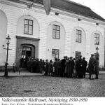 Valkö utanför Rådhuset, Stora Torget 1930-1950